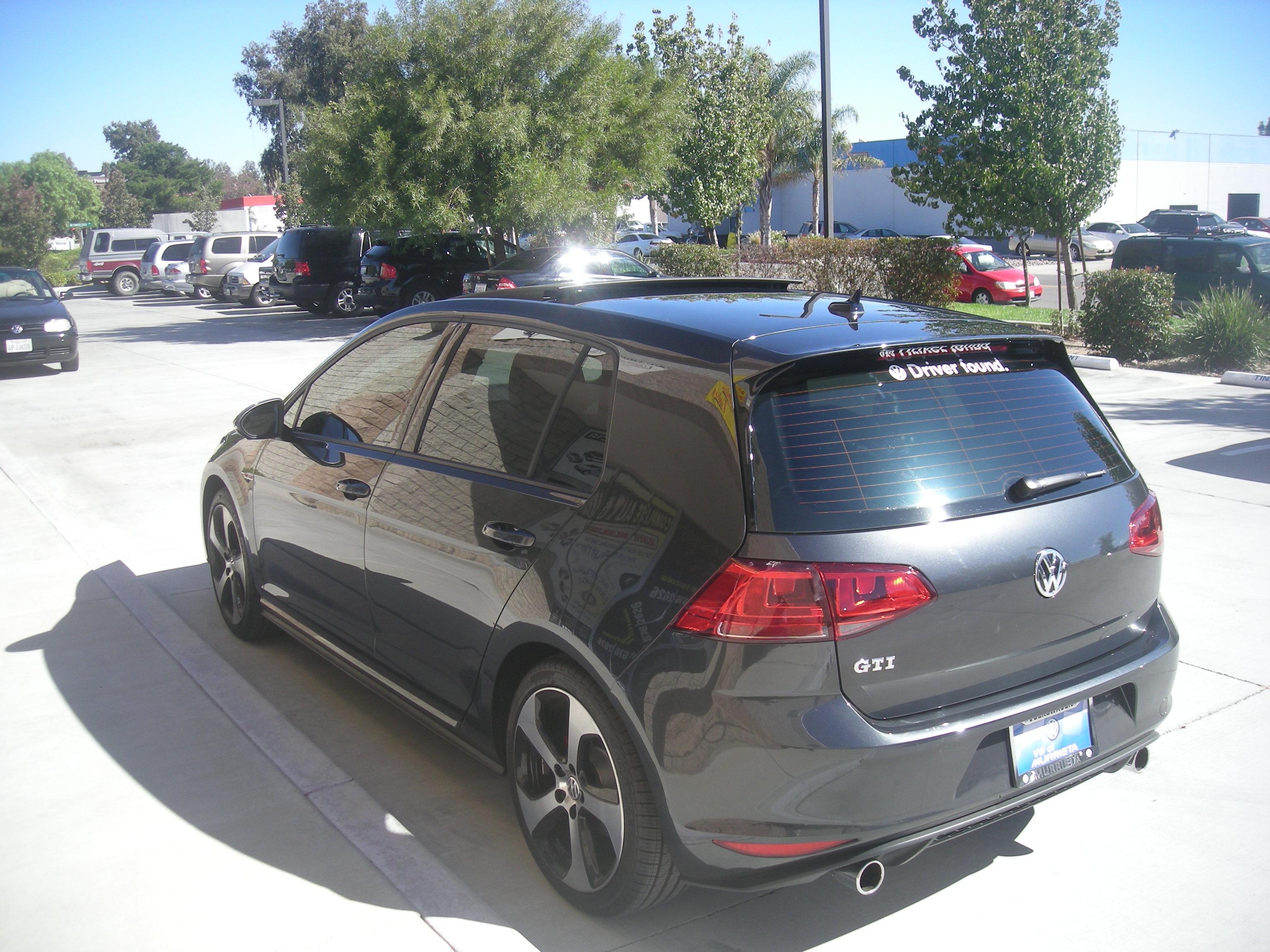 2015 GTI rear lt picture 20%